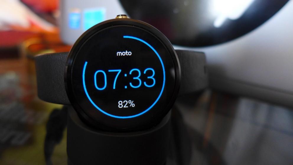 Test chytrých hodinek Moto 360 s Android Wear - tipy a triky  332831a2f8
