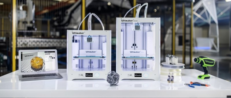 Ultimaker 3 Group Low Res