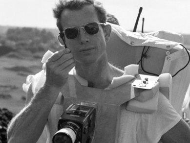 Podívejte se na desítky let staré fotografie astronautů z Apolla