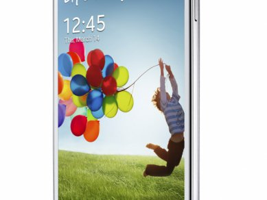 Samsung Galaxy S 4 - z úhlu
