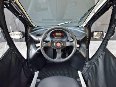 Toyota Trojkolka 1