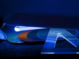2 CD a 2 DVD média pod UV lampou (UV verze)