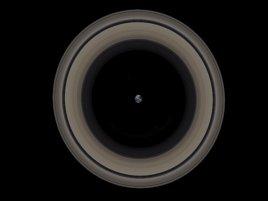 Earth Saturns Rings