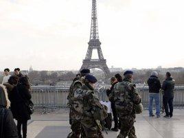 Eiffel Vojaci