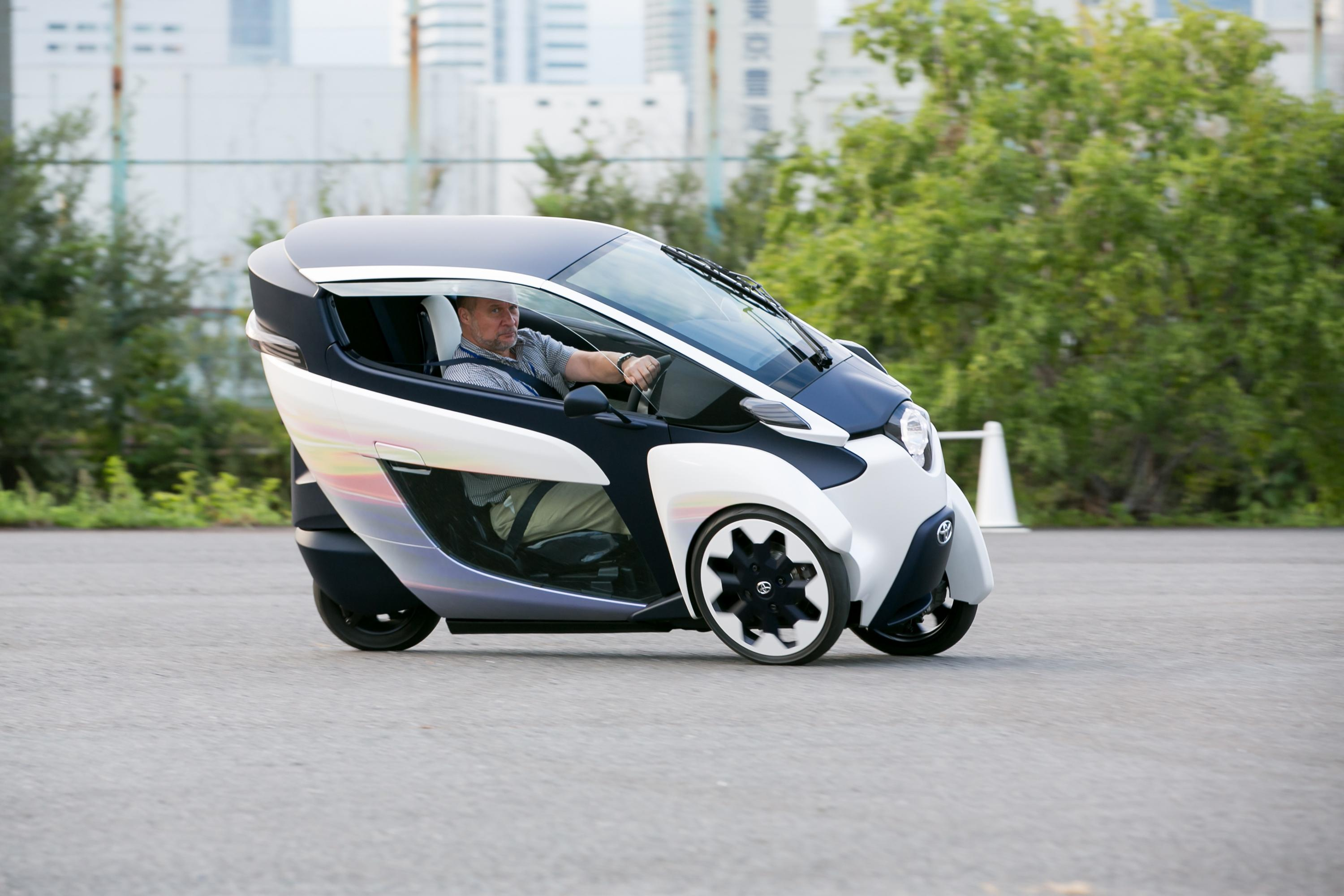 Toyota I Road Concept Revives The Three Wheel Microcar # | 2016 Car ...